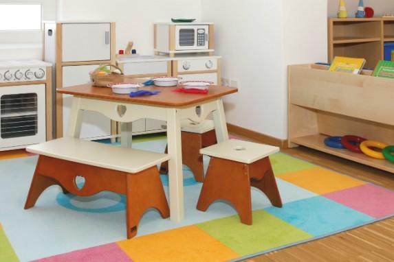 Kinderkrippe München Obersendling Kindertisch