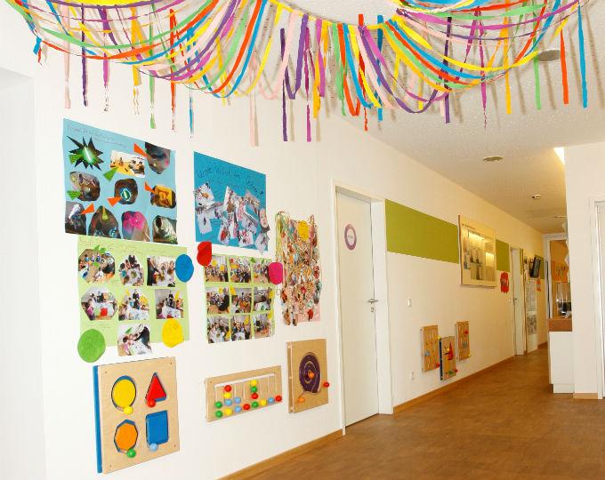 kinderkrippe kindergarten trudering eingangsbereich. Black Bedroom Furniture Sets. Home Design Ideas