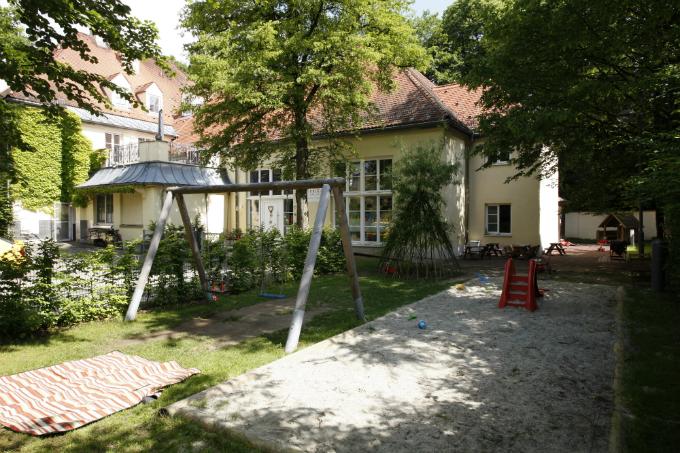 Kindergarten und Kinderkrippe Harlaching in einer Villa am Isarhochufer