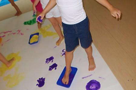 Kindergarten Biederstein Farbexperimente Fuesse