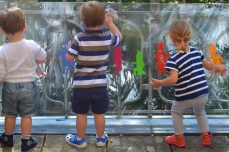 Harlaching krippenkinder spielen mit schaum - Fenster kompriband oder schaum ...
