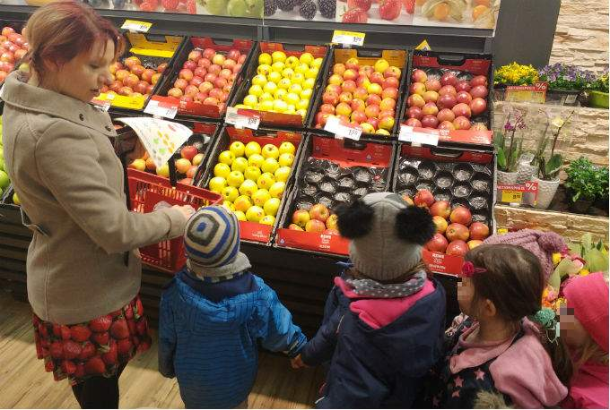 Kindergarten Supermarkt bilingual Education