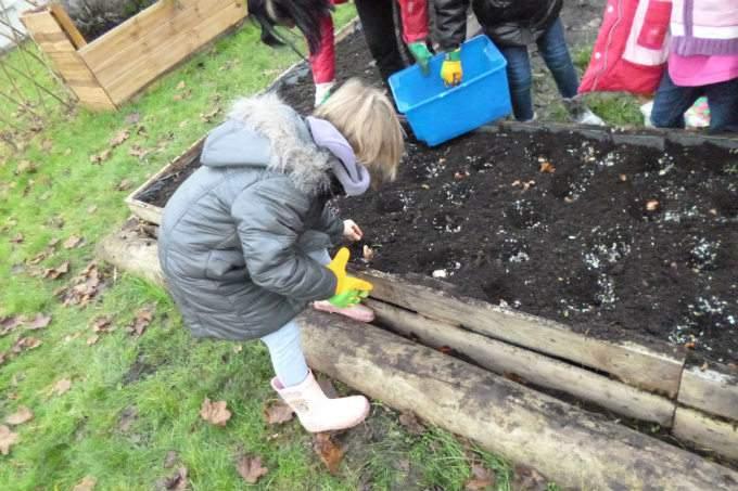 Kinderkrippe Kindergarten Garching Gartenbepflanzen