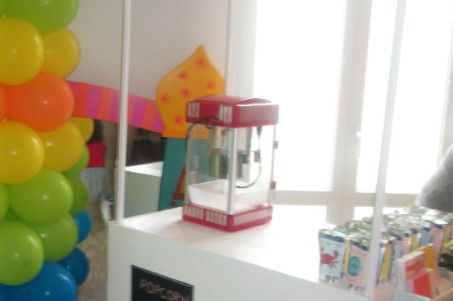 Kinderkrippe Obersendling Sommerfest Popkorn