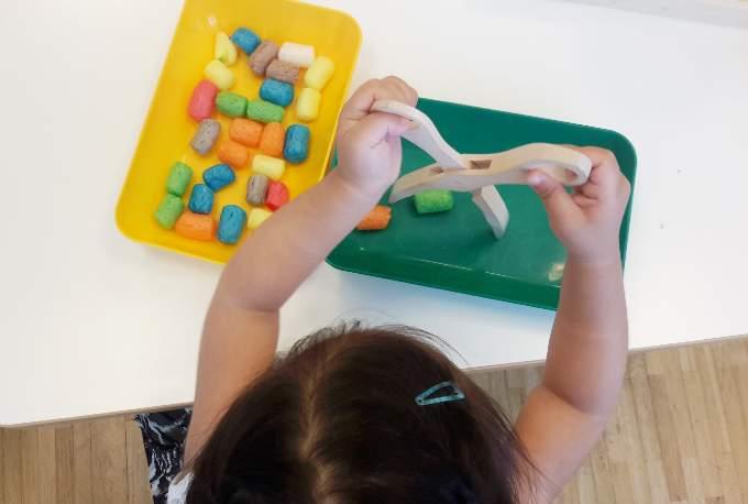 motorik-kinderkrippe-tablett-spiele