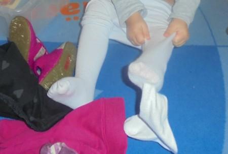 Strumpfhose anziehen Kinderkrippe Schwabing
